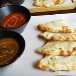 プラーナ - ランチセット、チーズナン(シーフードバジル)