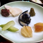 112845686 - お漬物7種・・茄子・ウリ・奈良漬・筍etc・・筍のお漬物も初めて頂いたのですが、食感もお味も良いですね。