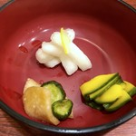 112845923 - 京つけもの3品・・お料理が提供されるまでこれらをつまみながら待ちますが、どれもさっぱりしていて好み。