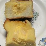 パン工房パナケナケ - カスタードのフレンチトースト 断面