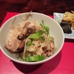 賛否両論 - 大山鳥 牛蒡 四角豆の炊き込み御飯。ほんの少しでいいから山椒があれば もっと旨かったと思う。