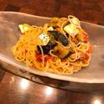 肉バル×イタリアン リトルブッチャー - 日替わり生パスタ 茄子とモッツァレラチーズの冷製プッタネスカ