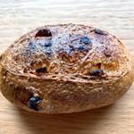 ブランジェリー ラ・フォンティヌ・ドゥ・ルルド - デーツのパン