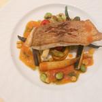 シェ・アキラ - (主菜)真鯛のポアレ