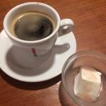 サムシング ベッラ ジョイア - コーヒーとドルチェ