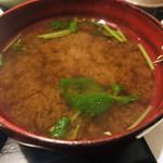 とんかつ やまいち - 味噌汁は赤出汁。良い味です。