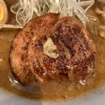 綱取物語 - ロール直火ガスバーナー炙りチャーシュー&『生姜の添え方が更に✖』
