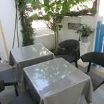 ガーデンカフェ別所 - テラス席
