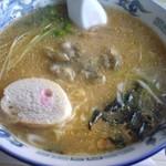 トロッコ - 牡蠣ラーメン
