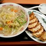 日高屋 - 日高屋@御茶ノ水聖橋店 野菜たっぷりタンメン・餃子(500円+210円)