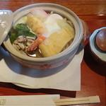 くろ吉 - 料理写真:なべ焼うどん 1,050円