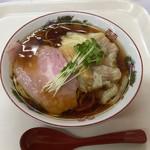 中華そば カリフォルニア - 料理写真:スペシャルわんたん中華そば1250円