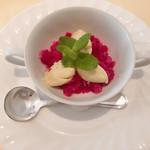シェ・アキラ - (デザート)赤紫蘇のグラニテと青梅の森ムース