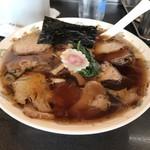 青島食堂 - チャーシュー麺。900円。