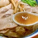 112916009 - 鶏の旨味たっぷりのスープ