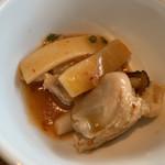 香港蒸籠 - 鶏肉の酸辣煮込み