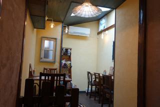 ヱントツコーヒー舎 - 店内
