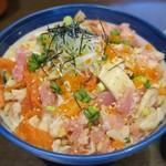 海街丼 - ・「海街丼(¥980)」のアップ。