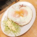 はやふね食堂 - 料理写真:目玉焼  150円