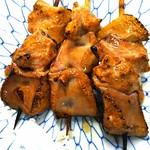 ブウちゃん - 料理写真:ゴマレバ3本 炙ったレバに塩とゴマ油、絶品!
