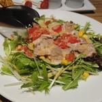 zensekikoshitsuumekonoie - 夏野菜と豚しゃぶの彩りサラダ