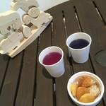 ログホテル ザ メープル ロッジ - ラグジュアリースペースにハーブティー。レモン果汁で色が変化