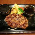 ビッグボーイ - 料理写真:厚切りリブステーキ