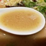 ラーメン 龍の家 - とんこつスープ!