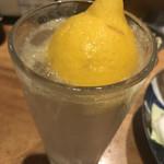 焼鳥の六角堂 - 生搾りレモンサワー