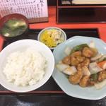 龍飯店 - 料理写真:スブタ定食@650