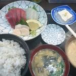 112940705 - A定食(生本まぐろ・真鯛・生ホタテ)
