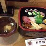 栄寿司 - ランチにぎり寿司 600円税抜