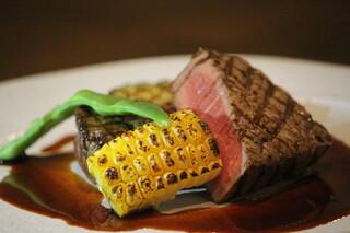 Alvino - ゆっくり焼き上げるお肉と季節野菜