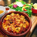 Cafe and Bar on℃ -温度- - チーズたっぷり麻婆丼