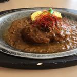 ローズベイカフェ タカシマ - ビーフカレーソースなので、肉塊もはいってましゅ