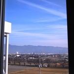 ジャンクガレッジ - フードコート窓際席からの景色