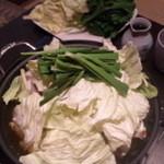 11296715 - 野菜たっぷりもつ鍋