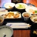 城山ガーデンズ 水簾 - 料理写真:和定食