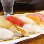 立ち寿司 まぐろ一徹 - 2019年5月 おまかせ握り八貫【1180円】