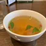 精進cafeふぉい - 料理写真:温かい薬膳スープ  ベジブロスと漢方系