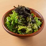たっぷり韓国のりのチョレギサラダ