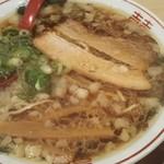 尾道ラーメン 麺屋壱世 - 脂多め