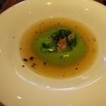 112987081 - ブロッコリーのスープ