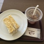 カフェコア - 料理写真:たっぷりたまごサンド300円、アイスティS200円