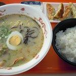天山リゾート レストラン - ラーメン餃子セット(950円)