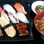 満海寿司 - ランチ\700-