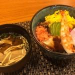 マルホ寿司 - ちらし寿司と赤だし