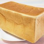 113014542 - 角食パン