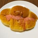 むーらん・るーじゅ - 料理写真:塩めんたい『悪魔のパン?』   150円なり