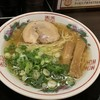 金久右衛門 - 料理写真:金醤油ラーメンヽ(。・ω.・。)ノ¥670円・:*+.:+